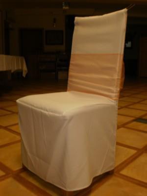 Pronájem luxusních potahů na židle,