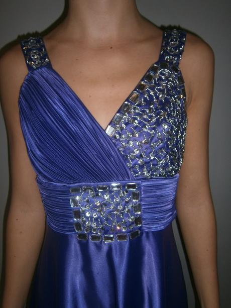 Tmavofialové spoločenské šaty, S
