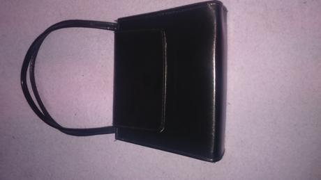 Spoločenská kabelka, 24