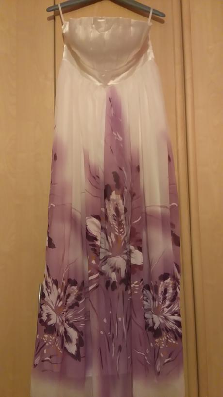 Nádherné spoločenské šaty , 42
