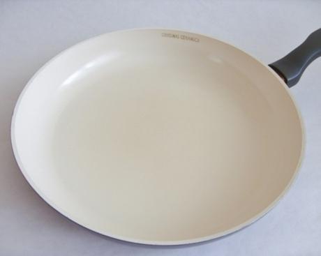 Panvica delimano ceramica s pokrievkou      ,