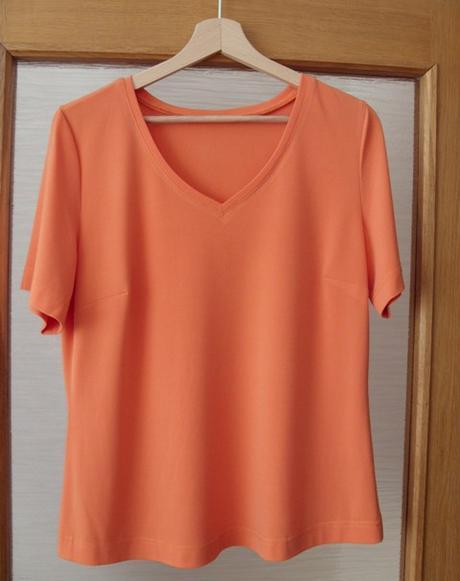 Tričko dámske pomarančové    nenosené, 40