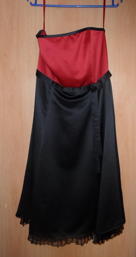 bezramienkové spoločenské šaty, 38