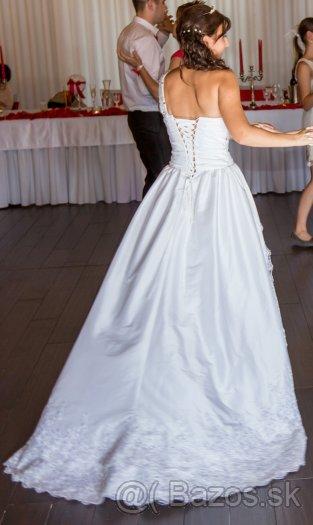 Extravagantne svadobne šaty 34-40 asymetricke, 36