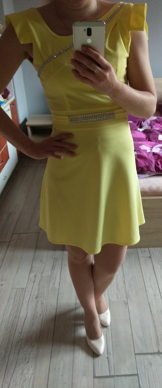 4bf33d65e3dc Príležitostné žlté šaty xs