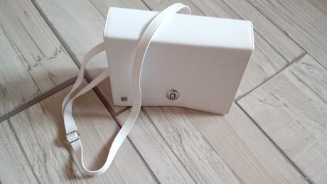 Biela kabelka,