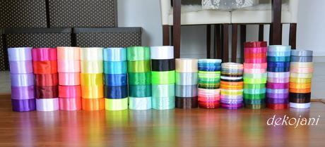 Čelenky různé barvy,