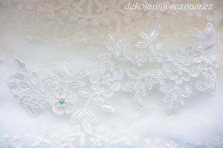 Krajkový svatební polštářek,