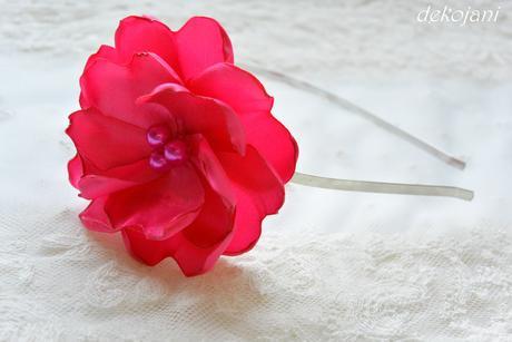 Květina- barva na přání,