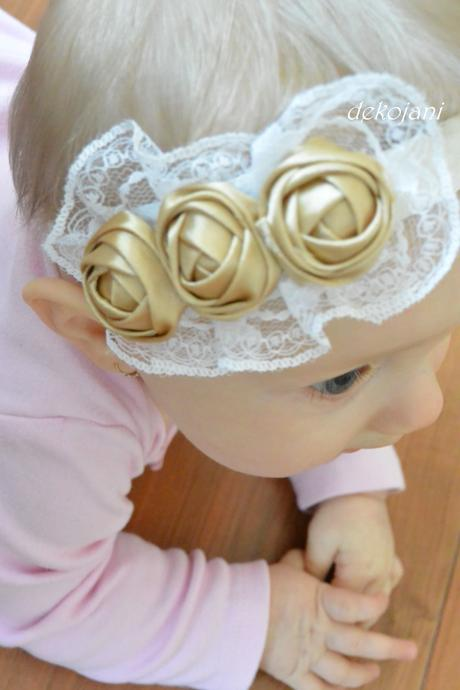 Květinový svatební polštářek,