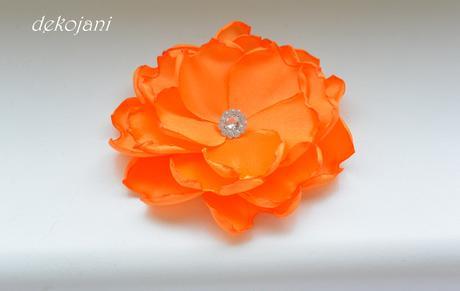 Oranžový vývazek,