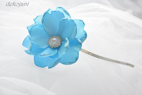 Polštářek pod prstýnky s modrými květinami ,