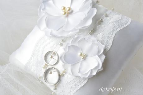 Svatební podvazek , M
