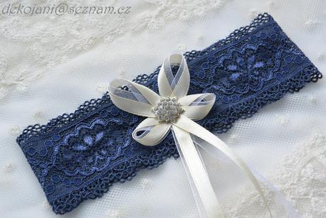 Svatební podvazek na svatbu, M