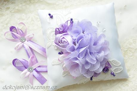 Svatební polštářek různé barvy,