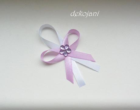 Světlé lila fialovo-růžové vývazky,