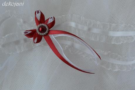 Vínový svatební podvazek s broží S-XXXL, M