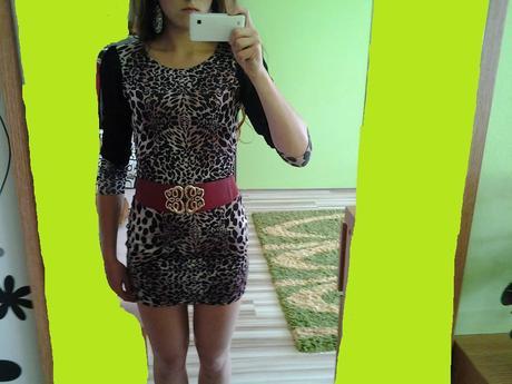 Tigrovane šaty nenosené, 36