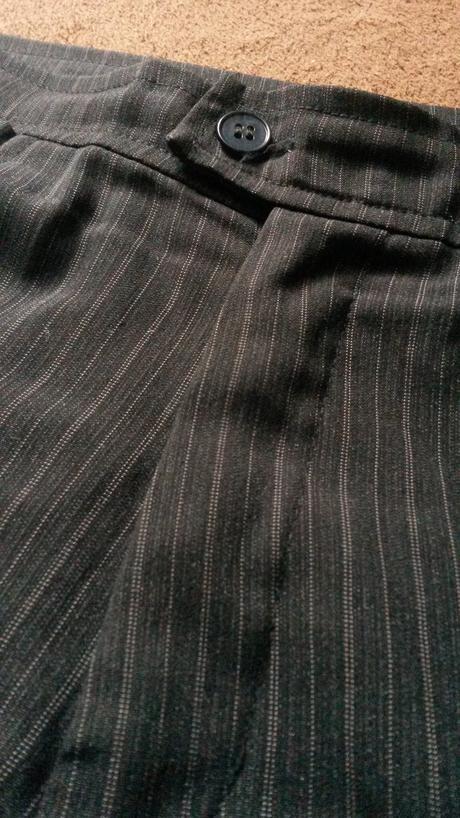 Pásikavé nohavice, M