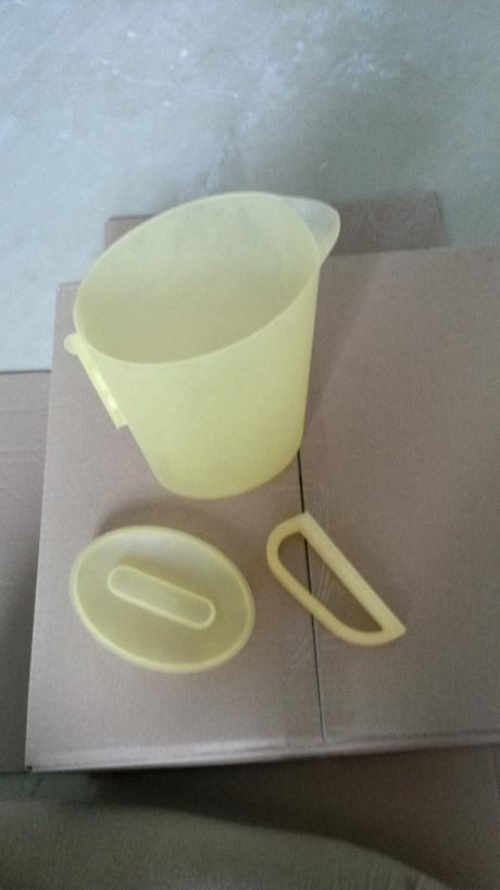Plastový džbán na vodu,