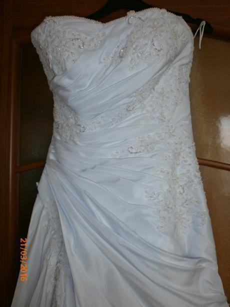 svadobné šaty s perličkami, 36