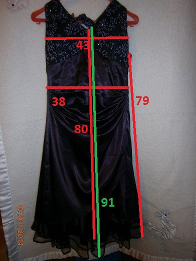 Tmavofialové šatičky, 40