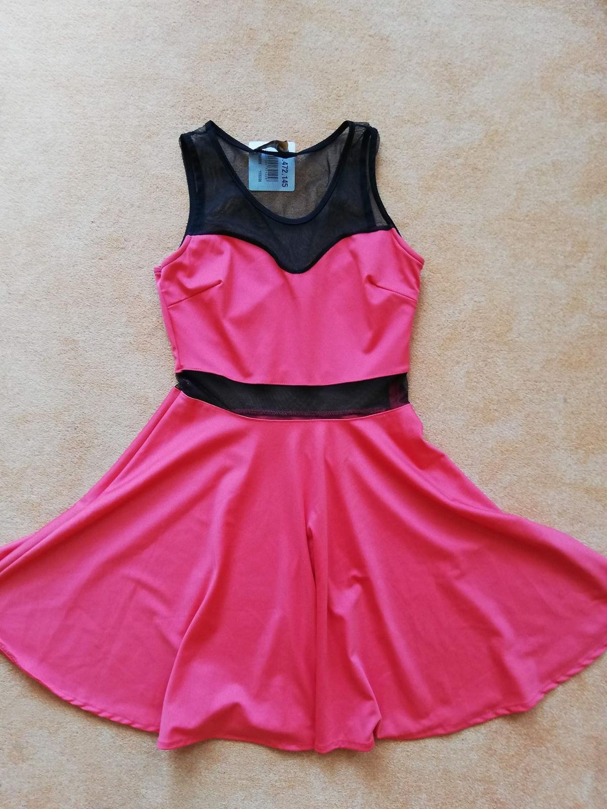 c931a359a08 Dámské společenské šaty