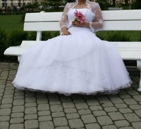 Prekrásne svadobné šaty, 38