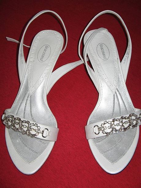 Biele sandále na nízkom opatku, 36