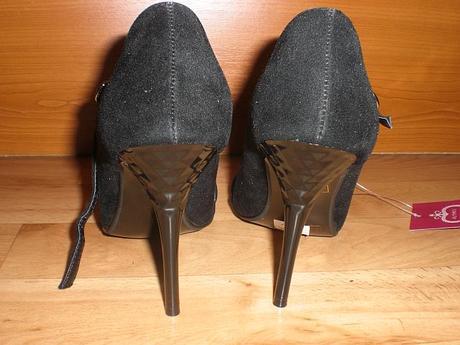 Čierne sandálky so štrasovými kamienkami, 36