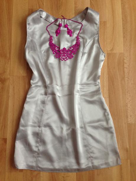 Saténové mini-šaty, XS