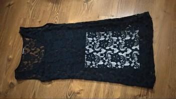 Čipkované elastické tmavomodré šaty M/L,