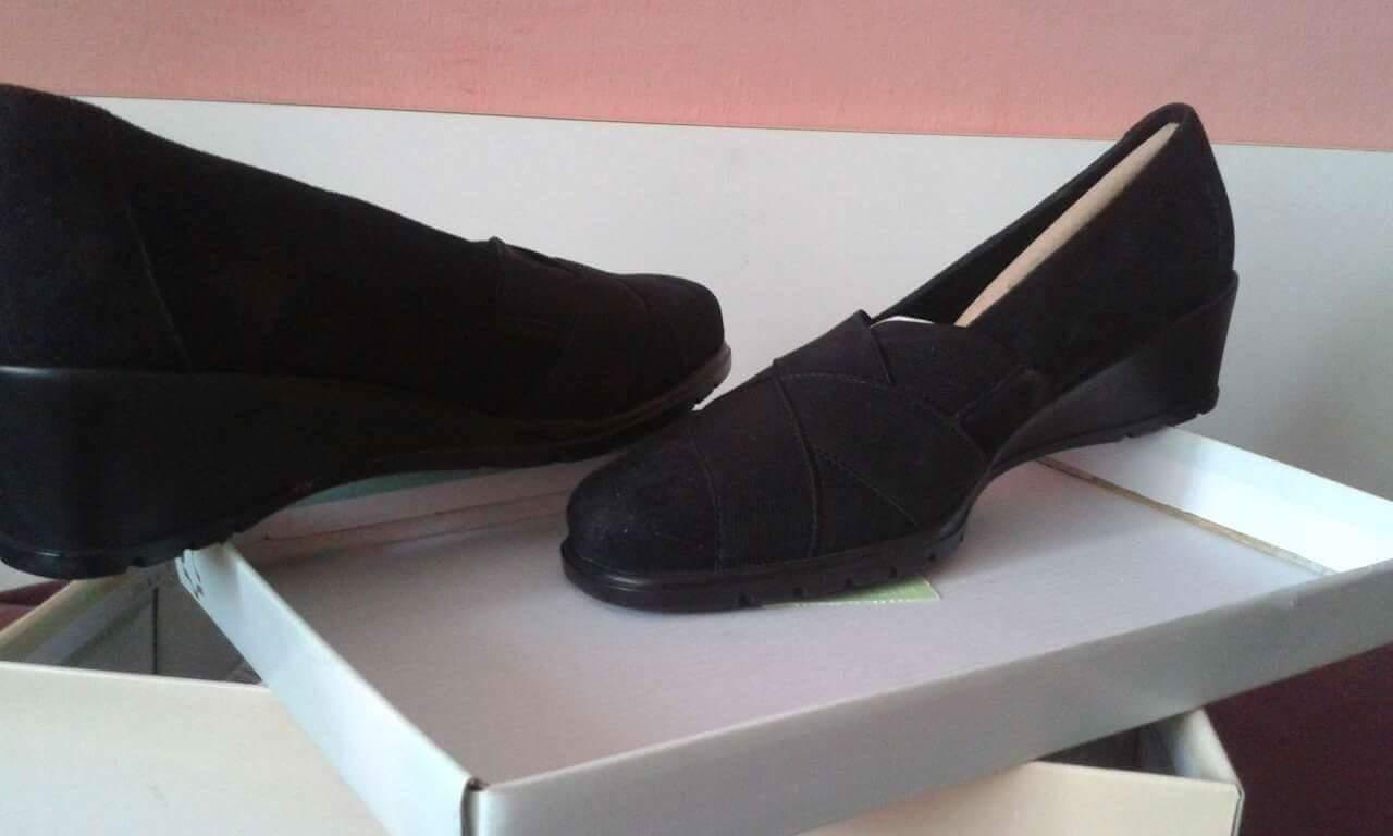 9671189cee2e Semisove topánky na klinovom podpätku
