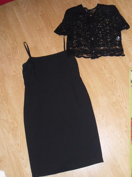 Puzdrové šaty s čipkovým bolerkom - 40, 40
