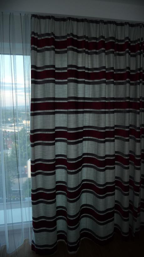 zavesy do velkych okien zvisle pasiky na latke 10m,