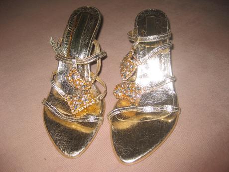 Nenosene sandalky vykladane kamienkami, 38