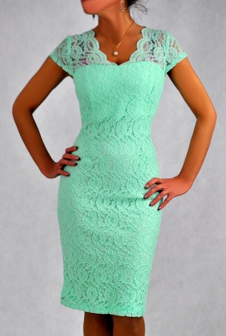Púzdrové šaty, 48