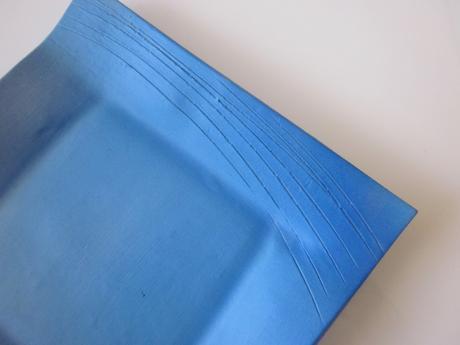 Modrý duhový tanier - dekoračný,