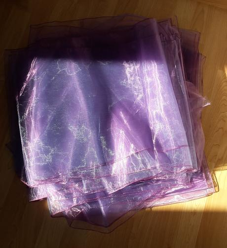 Organza fialová obšitá (duhová),