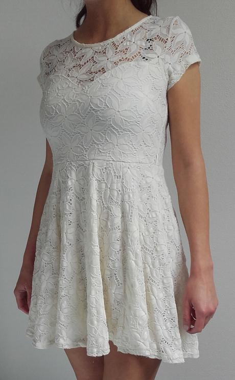 Šaty smetanové, 36