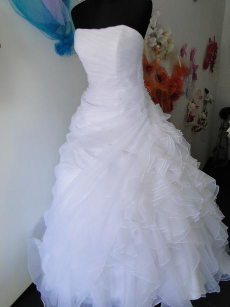 Biele svadobne šaty, 38
