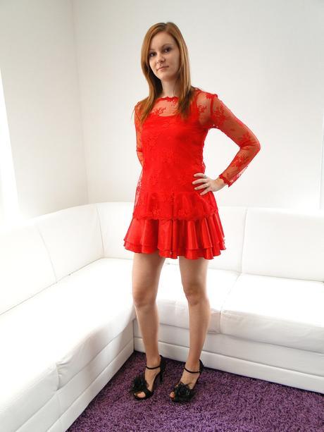 krátke červene šaty, 36