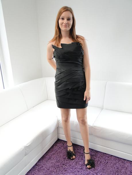 Krátke spoločenské šaty, 40