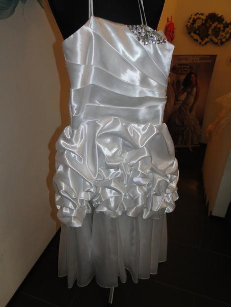 Šaty pre malu slečnu, 146