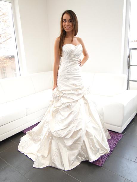 Svadobné šaty            AKCIA DO KONCA MESIACA, 34