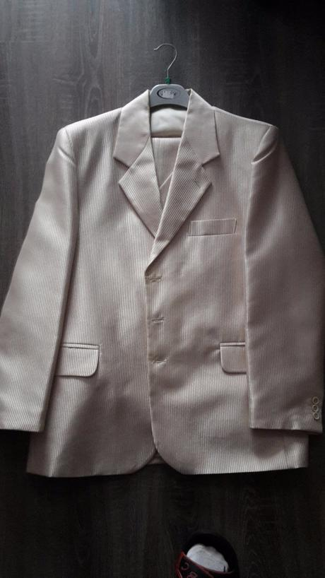 Svadobný oblek, 50