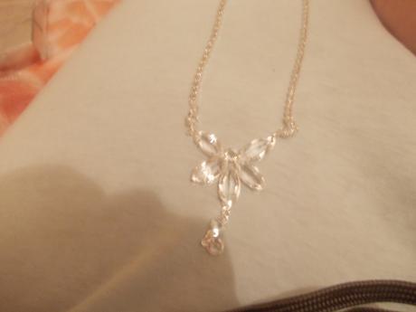 jednoduchý náhrdelník,