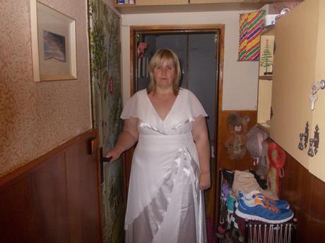 Svatební šaty pro baculku, 50