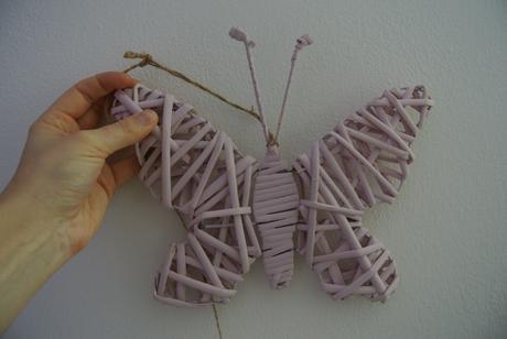 Proutěný motýl cena za 7 kusu,