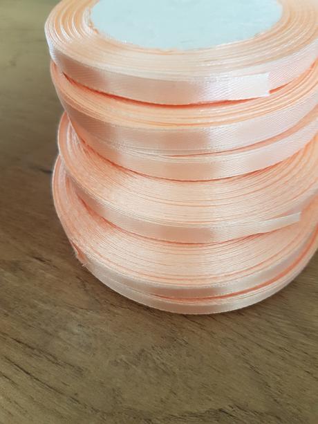 6kotucov 6 mm široké Stuhy soft peach,